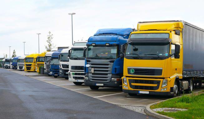 Решение проблемы отсутствия парковки для грузовых автомобилей?